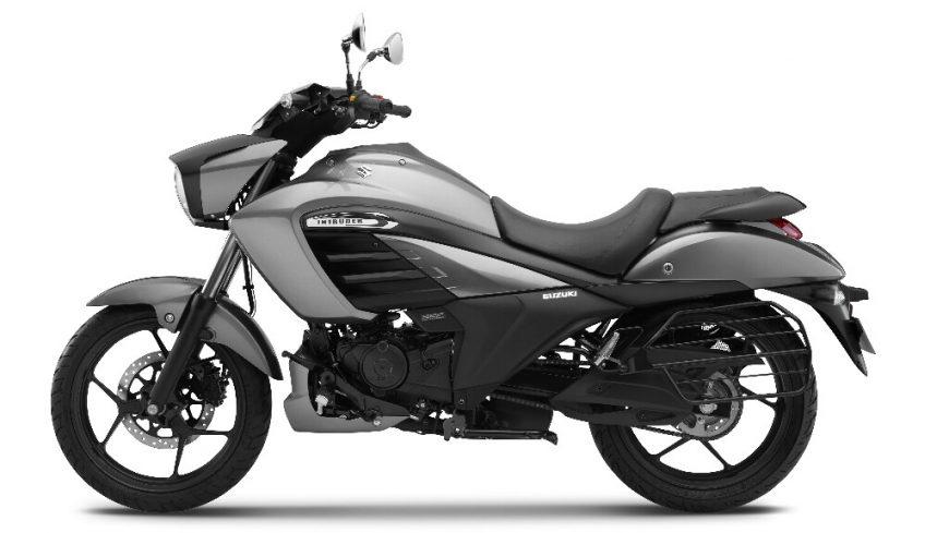 Suzuki-Intruder-150-Side